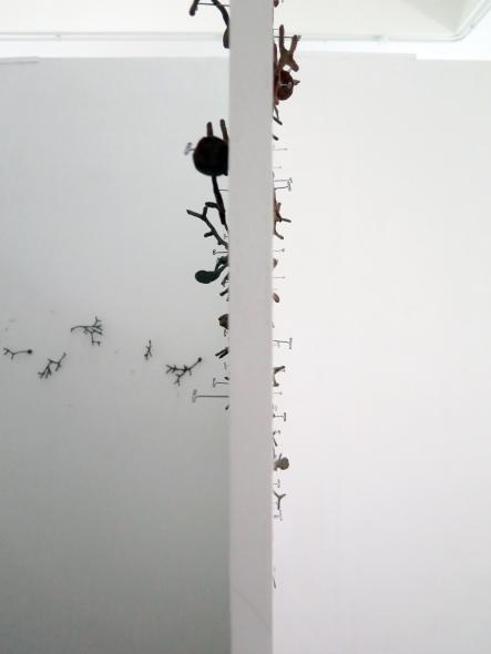 9. E101, wall
